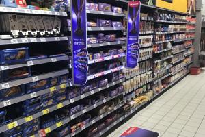 Ledowe POS-y wyróżniają produkty na półce