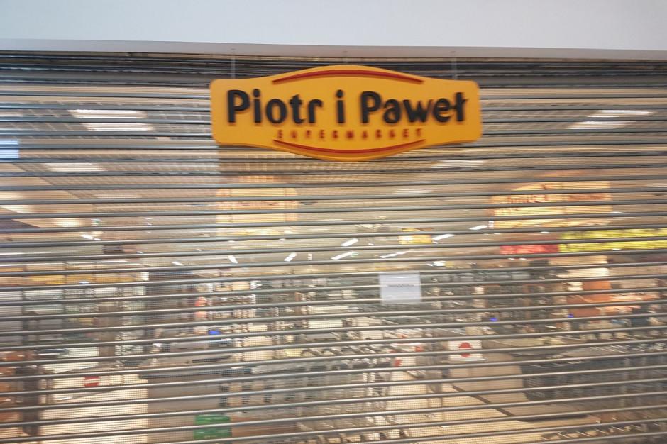 Kolejne zamknięcia sklepów Piotr i Paweł. Sieć w rok skurczyła się o 74 sklepy
