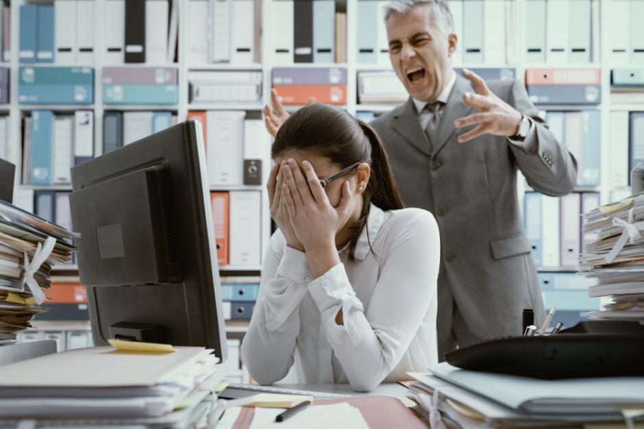 Niemal połowa pracowników spotkała się z mobbingiem w pracy