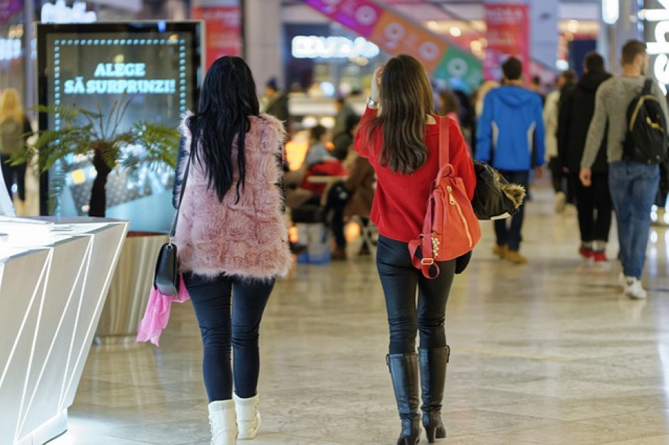 Kobiety na zakupach: 73 proc. konsumentek chętnie sięga po nowości