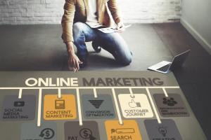 Badanie: 2,4 mld zł na reklamę w internecie w I półroczu br.