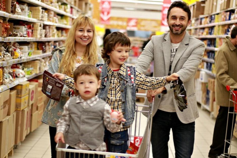 Jak Polacy kupują FMCG? Znają kilka marek i są im wierni