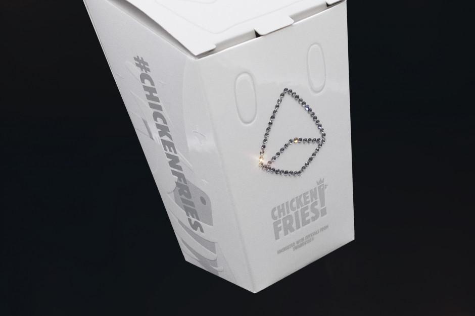 Pudełka Chicken Fries Burger King wysadzane kryształami hitem sprzedaży