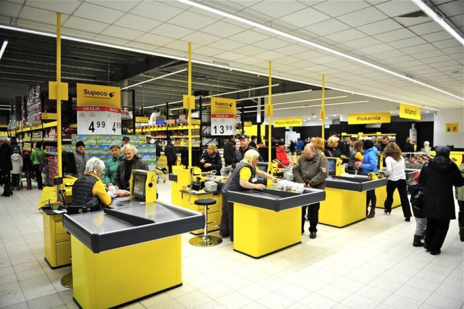Carrefour w Gostyniu przebudował supermarket na dyskont Supeco. Klienci szukają niższych cen?