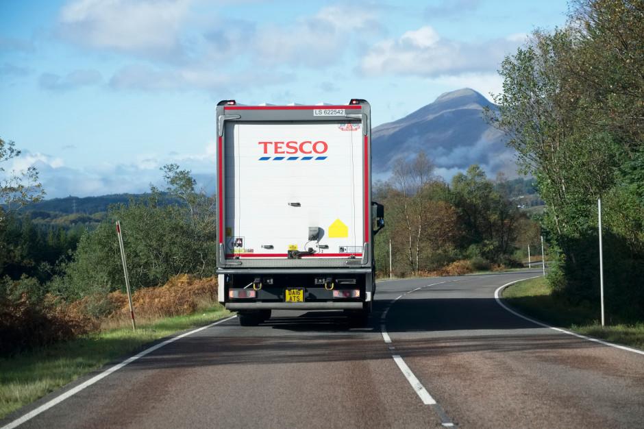 Tesco exit: Auchan i Carrefour muszą przemyśleć swoje strategie