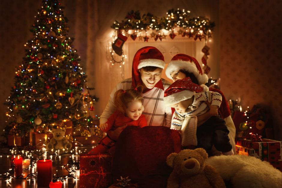 36 proc. Polaków  kupuje świąteczny upominek dla każdego w rodzinie