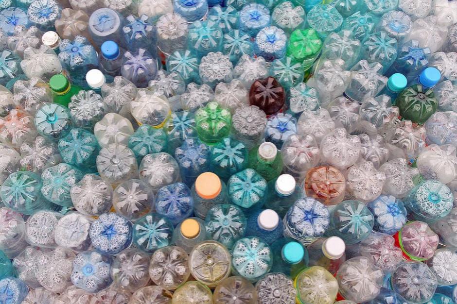 Kaucja za plastikowe butelki to kwestia miesięcy