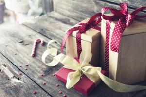 Badanie Allegro: W tym roku na prezenty wydamy 482 zł, znacznie więcej niż rok temu