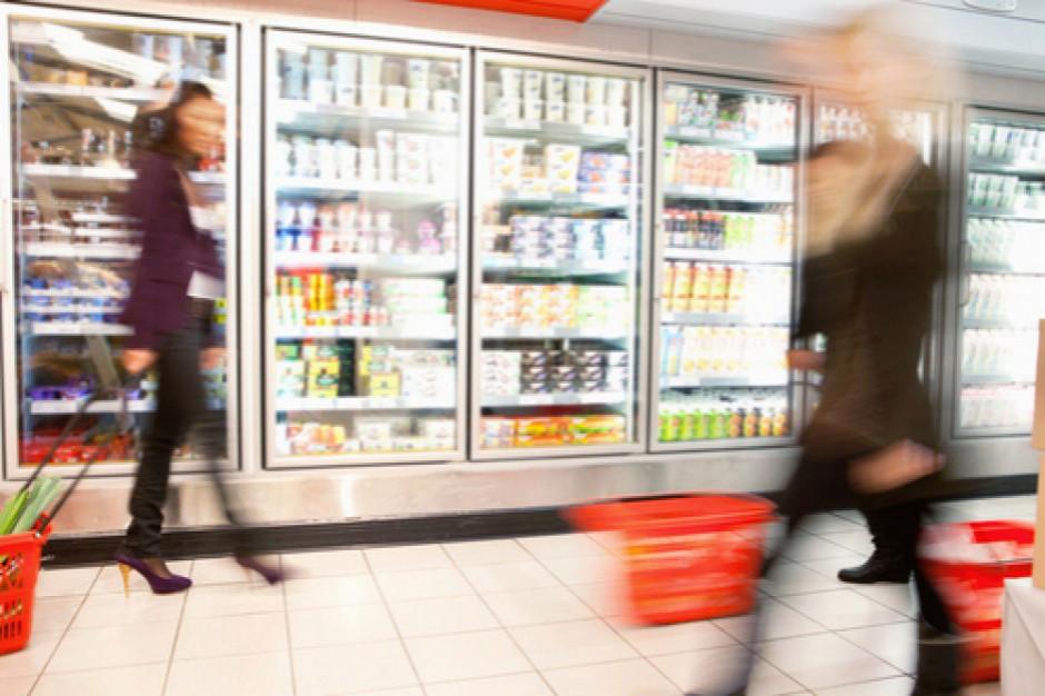 Kawa i ciacho z Biedronki, książka z Ruchu, sklepy bezobsługowe - nowe koncepty handlowe na polskim rynku