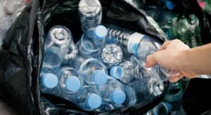 Kaucja za opakowania po napojach może objąć nie tylko plastik, ale także szkło i aluminium