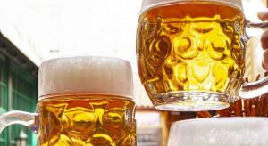 Sztuczna inteligencja przygotuje perfekcyjnie piwo z nalewaka