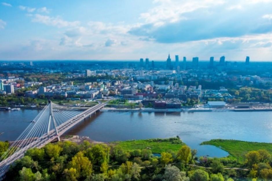 """Warszawa mówi """"nie"""" reklamom na budynkach i billboardom"""