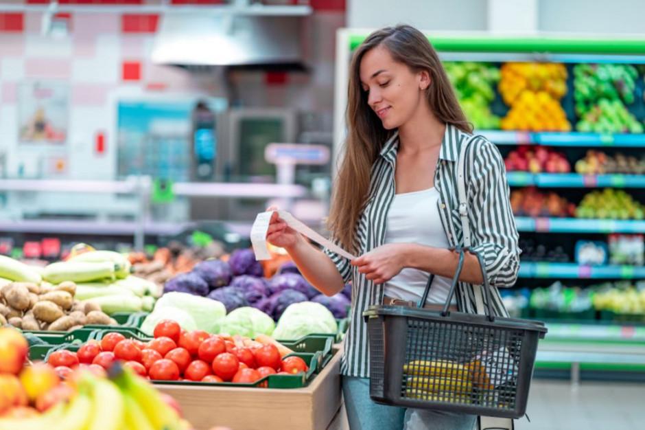 Żywność eko i wartości to trendy dla bogatych? Polski konsument nadal kieruje się ceną