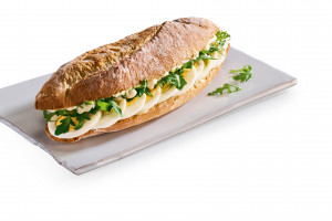 Costa Coffee promuje się jako miejsce na śniadanie i lunch