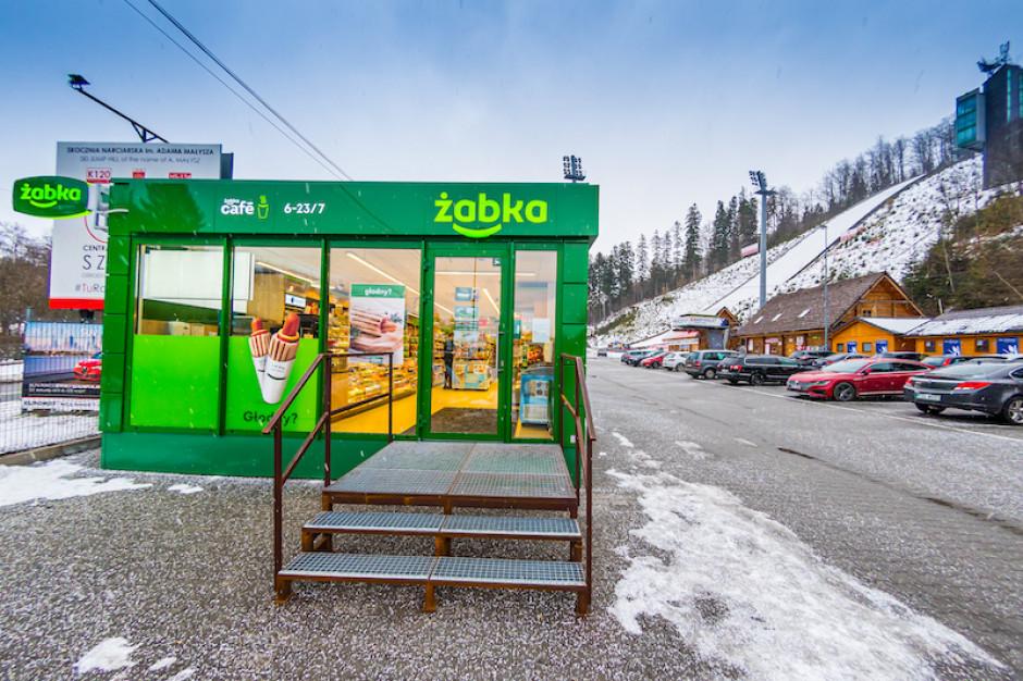 Żabka otworzyła pawilonowy sklep przy skoczni narciarskiej im. Adama Małysza