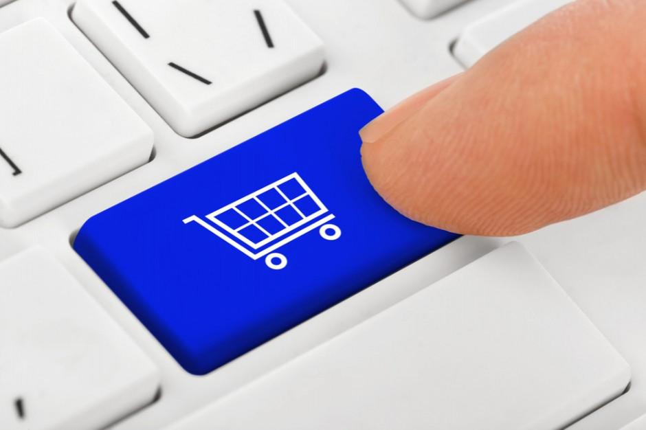 Biżuteria i perfumy w dół, ale żywność, kremy i karma dla zwierząt ciągną e-commerce w górę