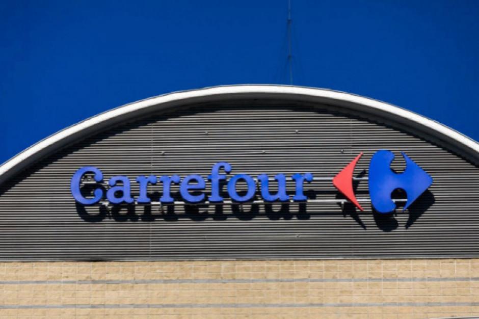Francja: Pracownicy Carrefoura nie chcą pracować po śmierci kasjerki na Covid-19