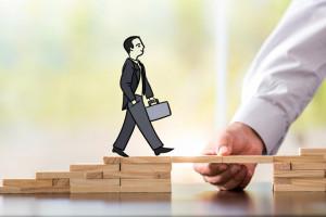 Przedsiębiorcy apelują o wypracowanie tarczy 2.0. Wśród postulatów zwolnienie firm...