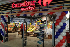 Carrefour zastąpił Piotra i Pawła w Pasażu Rondo (galeria)
