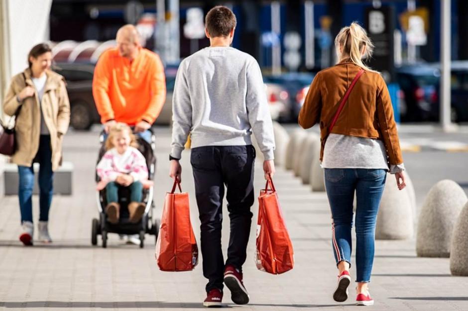 Rośnie ruch w sklepach, najwięcej zyskały supermarkety