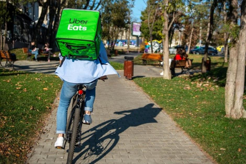 Olsztyn i Częstochowa nowymi miastami z usługą Uber Eats