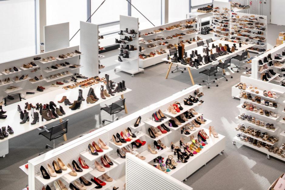 Analityk: Popyt na rynku odzieżowo-obuwniczym może przesunąć się do niższego segmentu