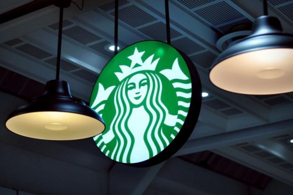 Kawiarnie Starbucks znów otwarte, na razie w formacie na wynos