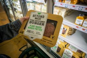 Beyond Meat korzysta na kłopotach firm mięsnych