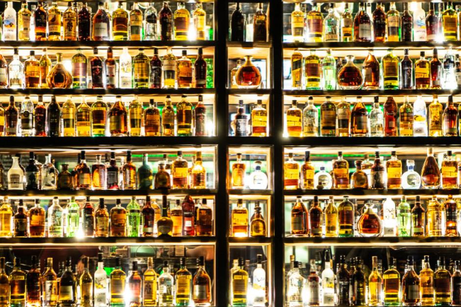 W 2019 roku piliśmy więcej whisky. W tym koronawirus zdołował sprzedaż