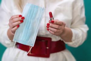 Nielsen podsumowuje sprzedaż w sieciach handlowych: Efekt szminki i wyjątkowo...