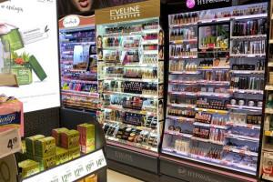 Polacy kupują kosmetyki gównie w Rossmannie i Biedronce