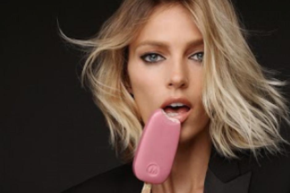 Anja Rubik w kampanii lodów Magnum