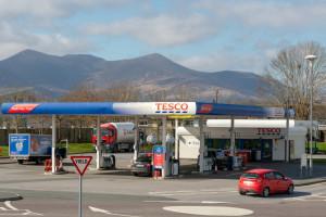 13 stacji paliw Tesco przejmie Netto, 1 DOR Group, a 9 jest przedmiotem rozmów...