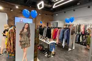 VIVE Premium, czyli sklep z odzieżą używaną najemcą Centrum Praskiego Koneser