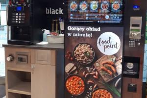 Automaty vendingowe z podgrzewanymi daniami w 8 sklepach Carrefour Express