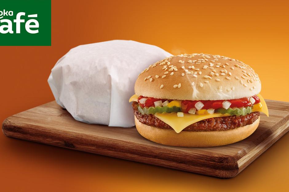 Żabka sprzedała w miesiąc ponad milion cheeseburgerów