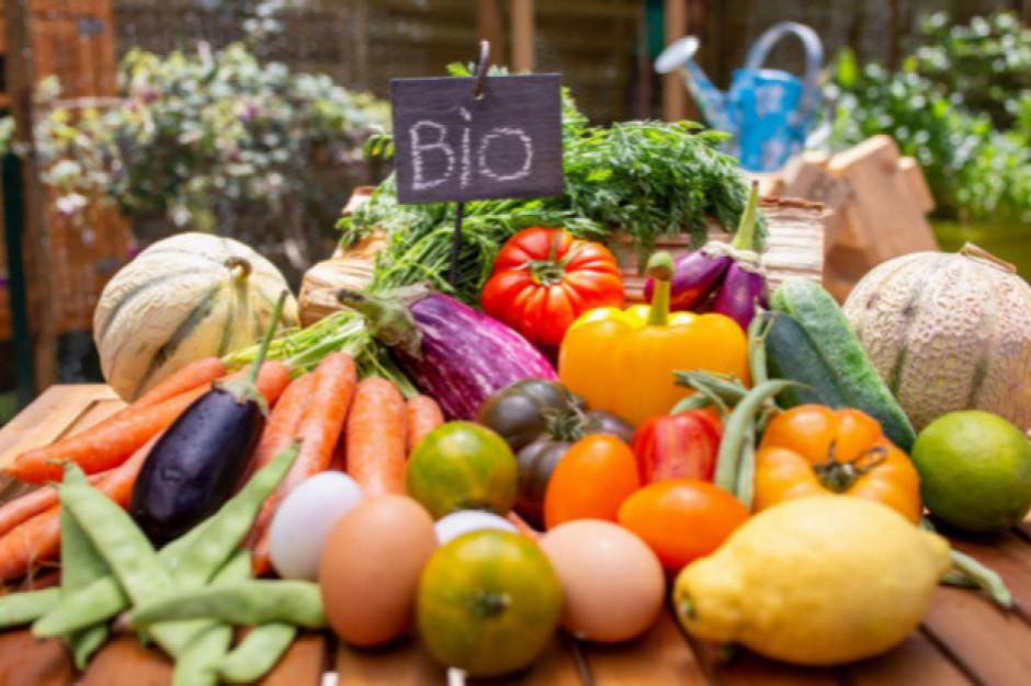 W rok na produkty bio Polacy wydali 709 mln zł. To 0,5, proc. koszyka spożywczego