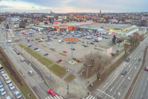 Atrium sprzedaje 5 obiektów handlowych w Polsce
