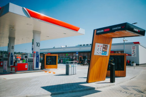 PKN Orlen rozwija format drive-through