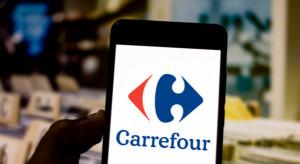 Carrefour testuje automatyczny punkt odbioru zamówień dla pieszych. Stoi za nim polska firma