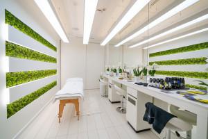 Flagowa perfumeria Sephora: Gabinet do zabiegów pielęgnacyjnych i automat do...