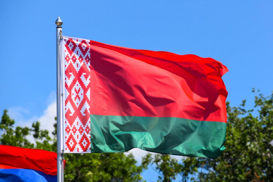 Codziennie 2 tys. Białorusinów przekracza granicę z Polską