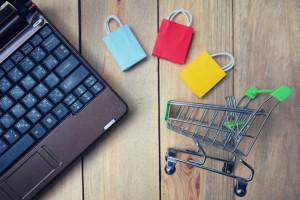 BNP Paribas: Polacy nadal chętnie kupują przez internet