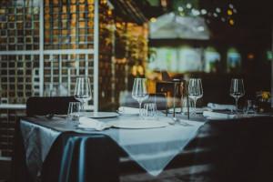 Pół roku z wirusem w gastronomii: 40 proc. przedsiębiorców przewiduje, że będzie...