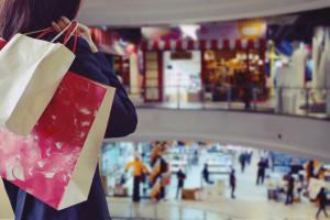 CBRE: Zyski centrów handlowych nadal niższe niż przed epidemią