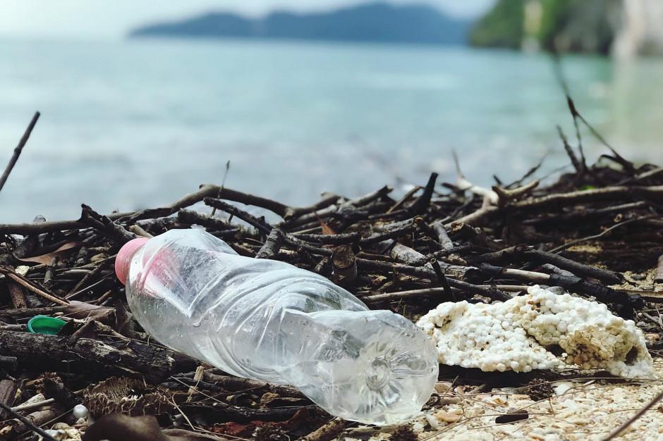 Biedronka: Zamieniamy plastik na inne materiały i odchudzamy opakowania