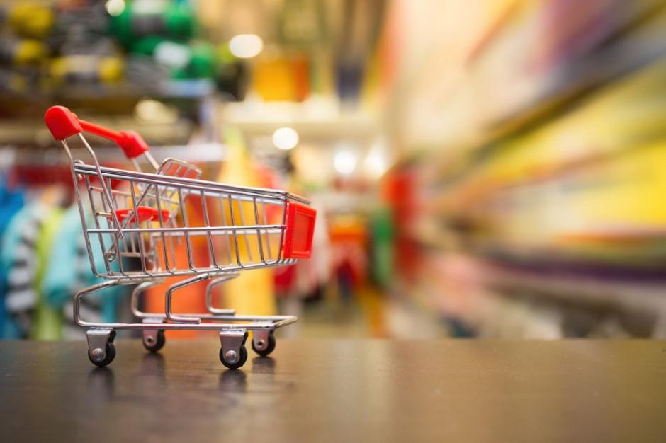 Kto króluje na polskim rynku handlu? Analiza przychodów i liczby sklepów