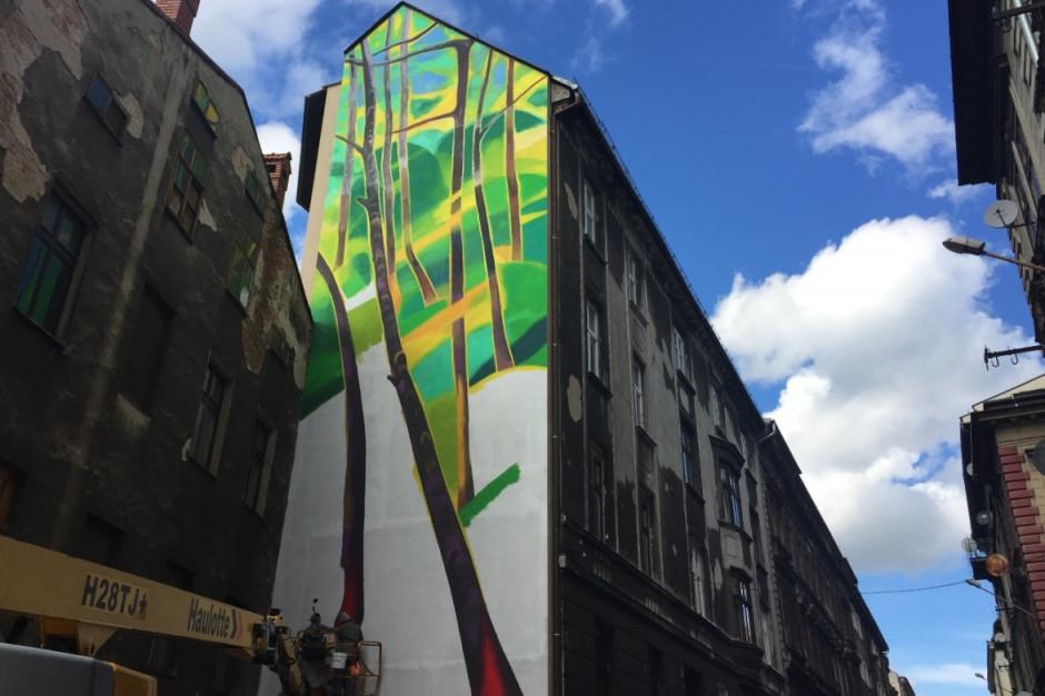Aldi tworzy antysmogowy mural