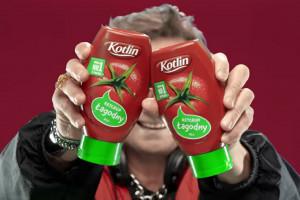 Piotr Cyrwus jako DJ reklamuje ketchup Kotlin