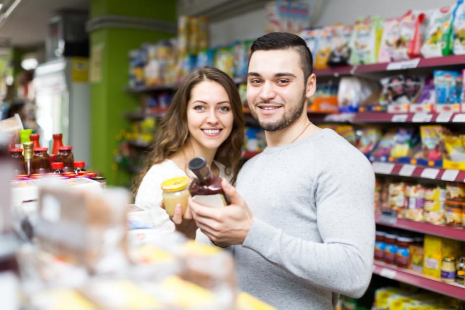 62 proc. rodzinnych sklepów w mniejszych miejscowościach otwiera się w niehandlowe niedziele
